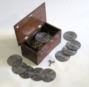 Early 20 th century disc musical box